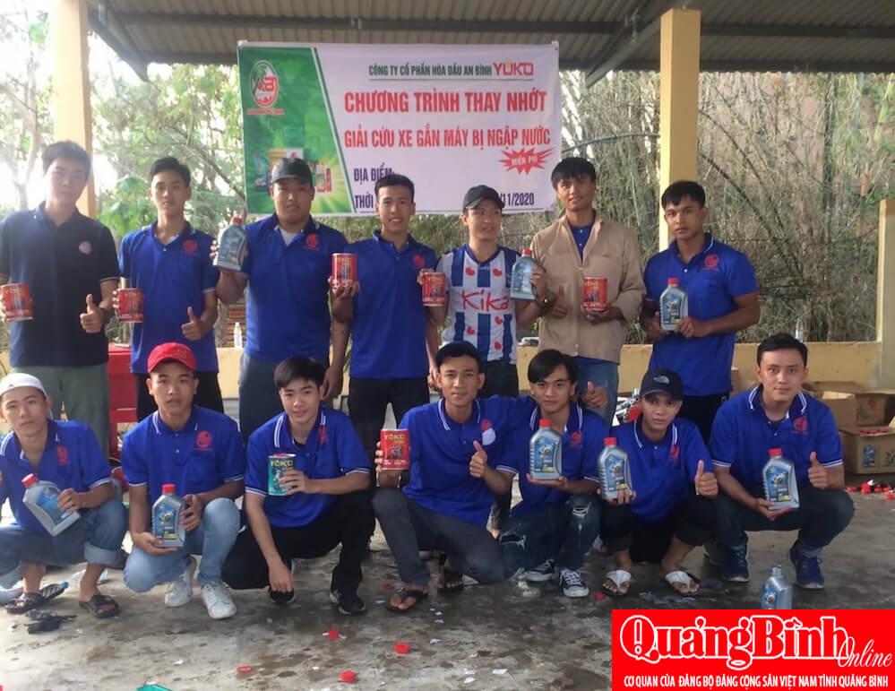 Báo Quảng Bình –  Miễn phí sửa chữa xe gắn máy bị ngập nước cho người dân vùng lũ